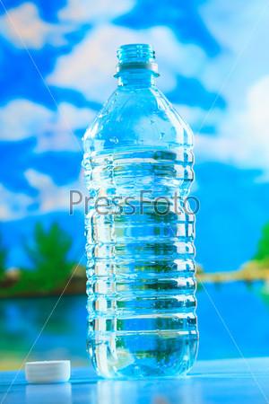 Фотография на тему Бутылка воды на пляже