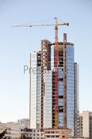 Строящееся высотное здание