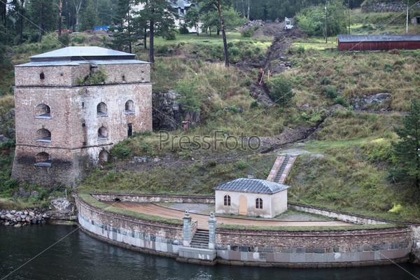 Старые береговые укрепления