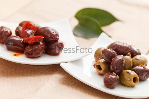 Свежие оливки