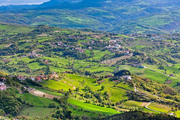 Вид с горы Титано на итальянские окрестности