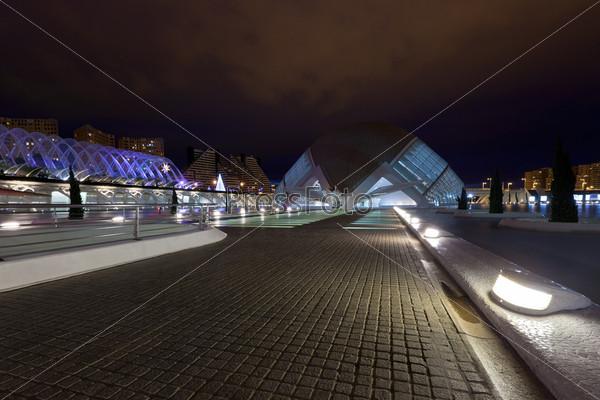 Фотография на тему Валенсия, Испания. Архитектурный комплекс города искусств и наук, разработан Сантьяго Калатравы