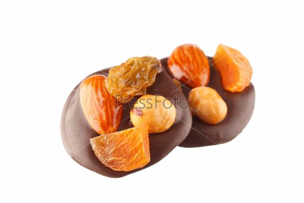 Фотография на тему Шоколадные конфеты с орехами