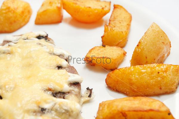 Фотография на тему Шницель с картофелем