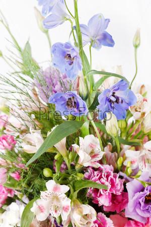 Фотография на тему Букет разноцветных цветов