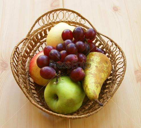 Фотография на тему Корзина с фруктами