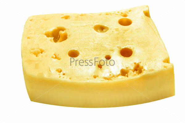 Кусок сыра на белом фоне
