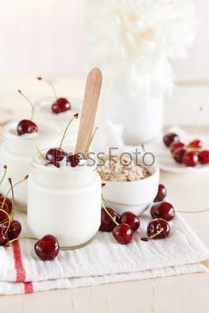 Фотография на тему Йогурт с вишней