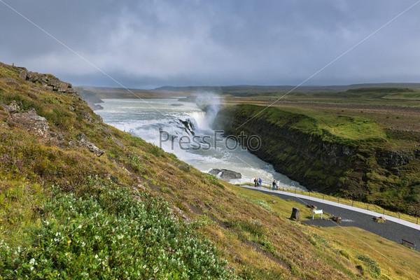 Водопад Гульфосс, южная часть Исландии, в пасмурную погоду