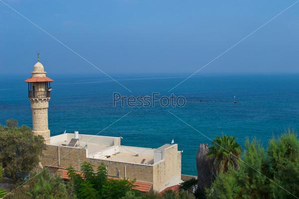 Фотография на тему Минарет мечети в Яффе