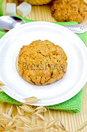 Фотография на тему Печенье с сахаром на деревянной доске