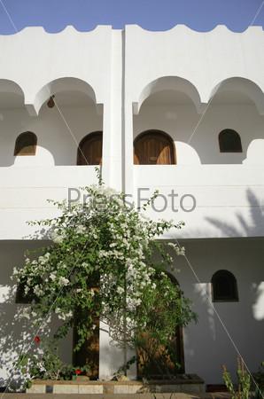 Внутренний двор гостиницы в Дахабе, Красное море, Синай, Египет