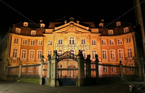 Фотография на тему Старый особняк, Мюнстер, Германия