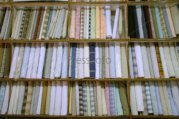 Ткань на витрине магазина, Дели, Индия
