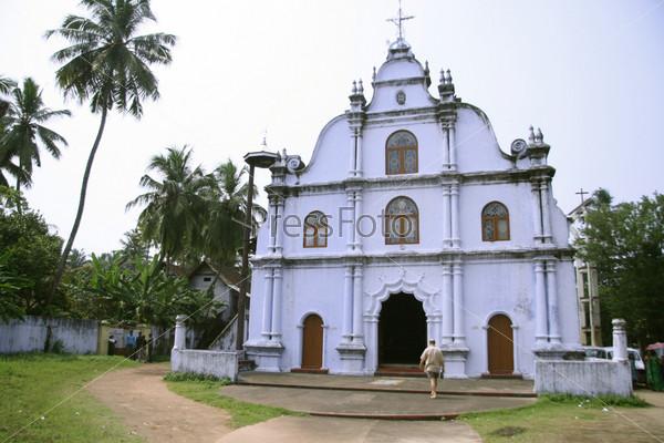 Фотография на тему Старая церковь в Южной Индии