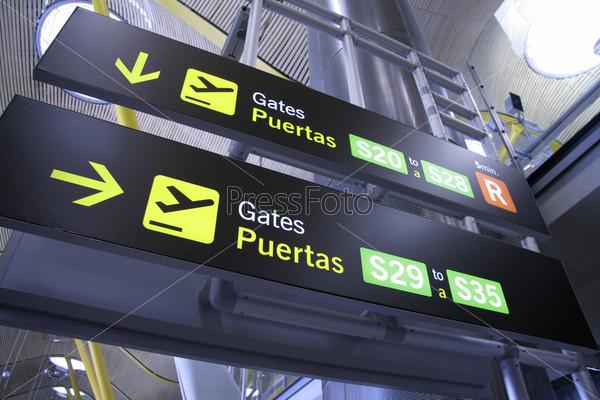 Фотография на тему Табло в аэропорт, Мадрид, Испания