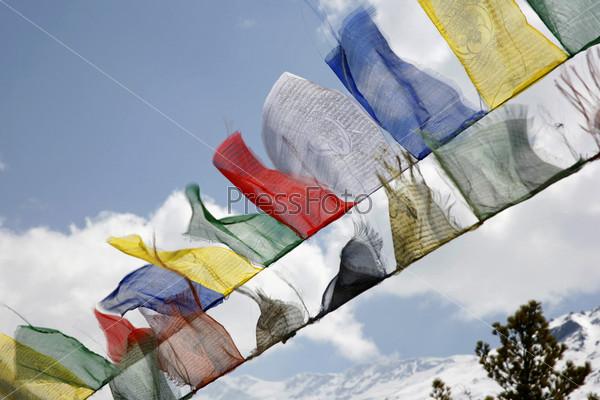 Буддийские молитвенные флаги, Аннапурна, Непал