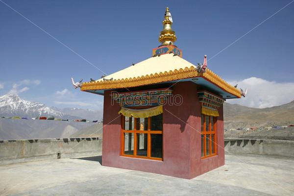 Тибетский монастырь в Муктинатхе, хребет Аннапурна, Непал