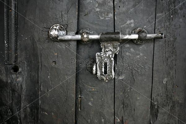 Фотография на тему Защелка на двери монастыря в Муктинатхе, Непал