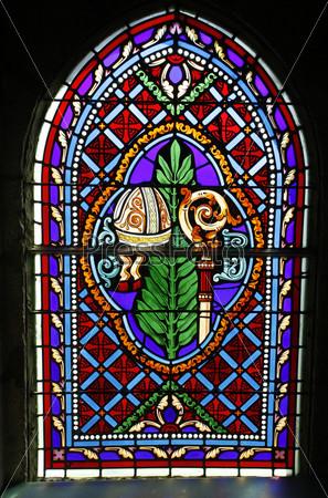 Витражные окна в церкви