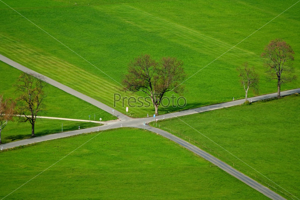 Фотография на тему Перекрусток на деревенской дороге