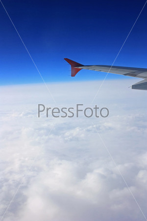 Фотография на тему Вид из иллюминатора самолета