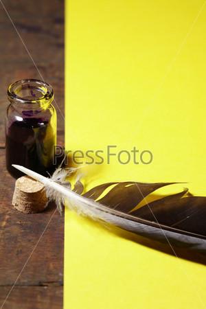 Фотография на тему Чернильница и гусиное перо