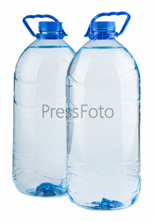 Пара больших бутылок воды