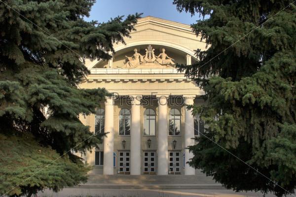Саратов. Театр оперы и балета