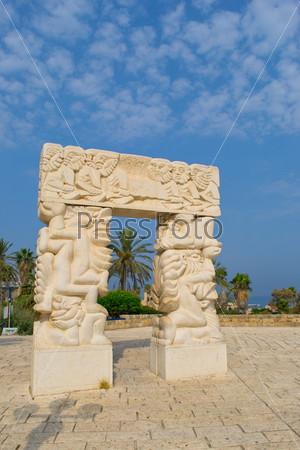 Фотография на тему Статуя в Яффо, сон Иакова