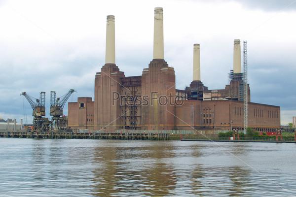Фотография на тему Электростанция Бэттерси, Лондон