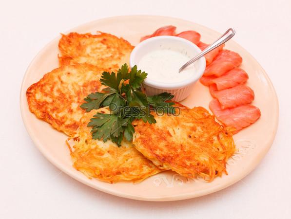 Фотография на тему Картофельные блинчики с лососем