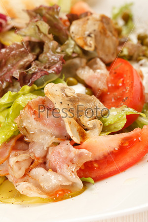 Фотография на тему Бекон с овощами и тосты