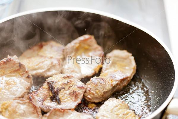 Фотография на тему Мясо на сковороде