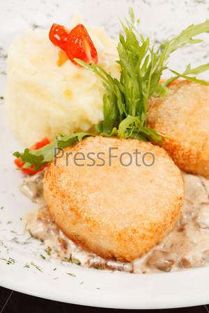 Фотография на тему Куриные котлеты с картофелем