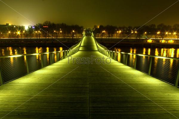 Фотография на тему Ночной пешеходный мост Симона де Бовуар (фильтрованное), Париж, Франция