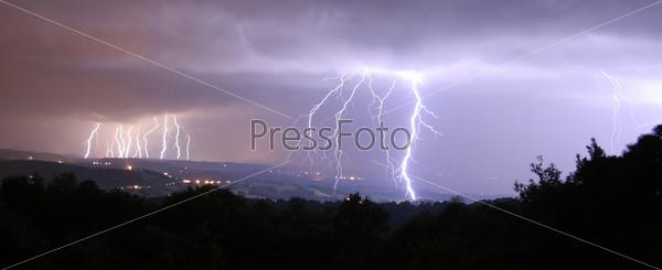 Фотография на тему 16 вспышек молнии, панорама