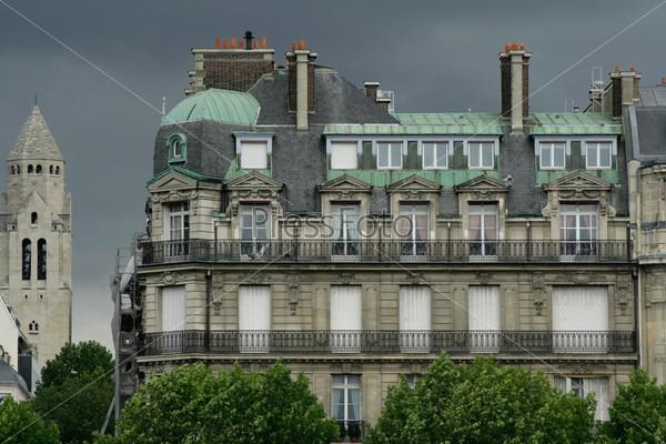 Жилой дом в Париже
