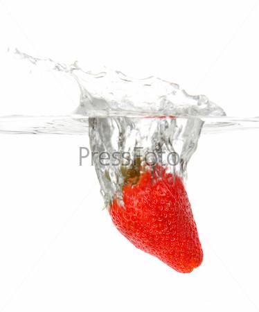 Фотография на тему Клубника в воде