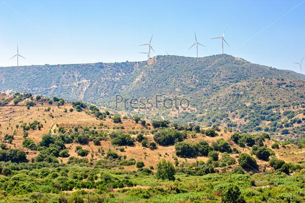 Фотография на тему Ветрогенераторы на Кипре