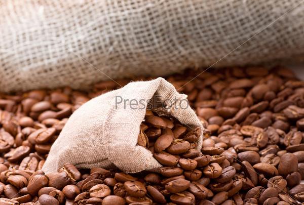 Обжаренный кофе в мешке
