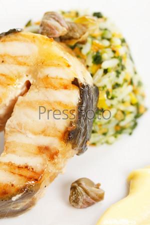 Фотография на тему Рыбный стейк с рисом