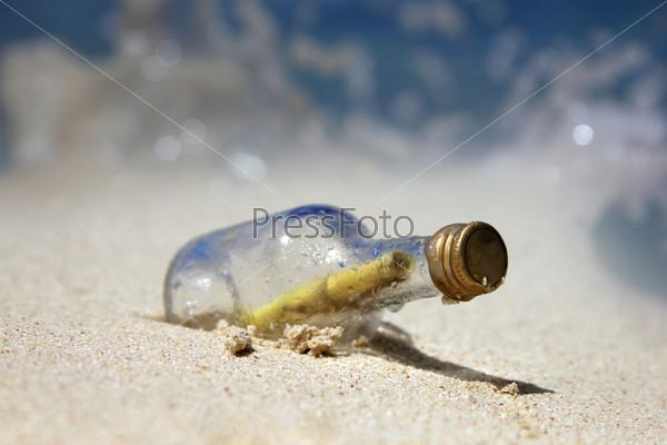 Фотография на тему Послание в бутылке