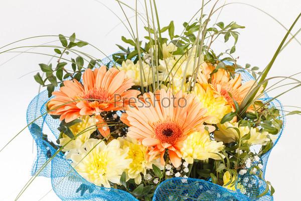 Фотография на тему Букет из разноцветных цветов