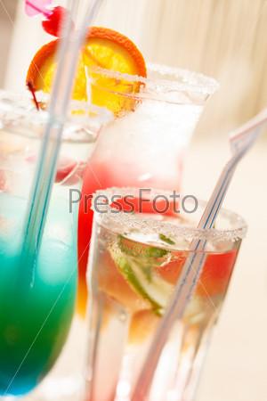 Коктейли в баре