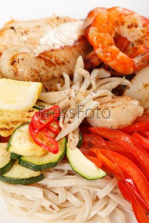 Фотография на тему Мясо с овощами и лапшой