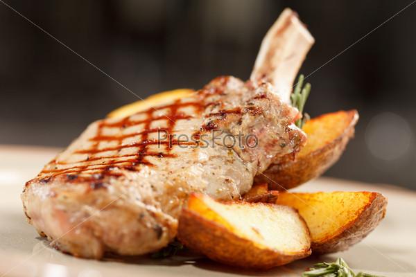 Ребрышки с картофелем
