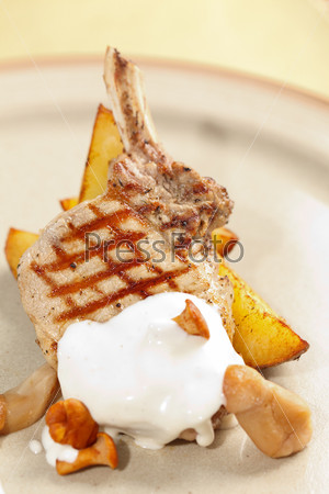 Фотография на тему Ребрышки с картофелем