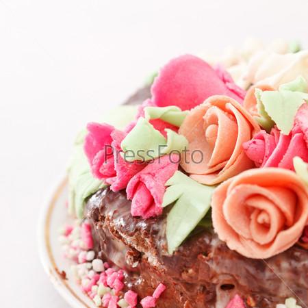 Вкусный торт с розами