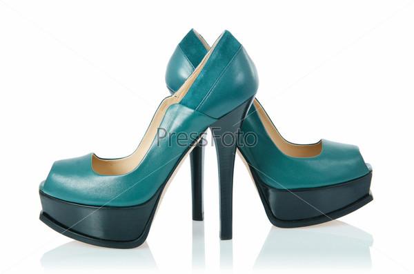 Женские туфли, изолированные на белом фоне